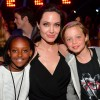 Angelina-Jolie-Shiloh-Zarah-Kids-Choice-Awards