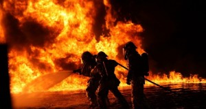 firefighters-1176513_960_720