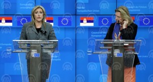 BRUSSELS, BELGIUM - DECEMBER 10: Serbian Minister responsible for the European Integration, Jadranka Joksimovic (L), European Commissioner for European Neighbourhood Policy and Enlargement Negotiations, Johannes Hahn (not seen) and Austrian Foreign Minister Karin Kneissl (R) attend the EU - Serbia Intergovernmental Conference in Brussels, Belgium on December 10, 2018.  ( Anadolu Agency - Dursun Aydemir )