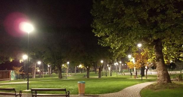gradski_park_noć
